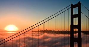 golden gate bridge sunrise image