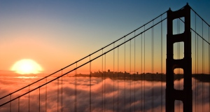 golden gate bridge sunrise image